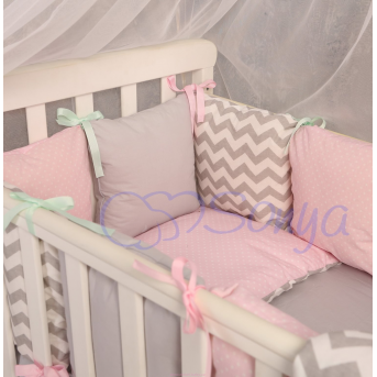 Защита Бейби дизайн № 10 Серо-розовые зигзаги