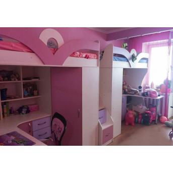 Детская кровать-чердак с рабочей зоной, шкафом и лестницей-комодом для двоих детей (кл35) Мерабель 80x190