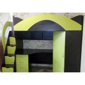 Кровать-чердак с рабочей зоной, угловым шкафом и лестницей-комодом (кл28) Fimebel 80x190