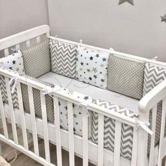 Бортики Baby Design Stars серо-бежевый + простынь Маленькая Соня