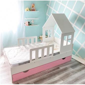 Кровать-домик с бортиком и ящиком CALIFORNIA (102)