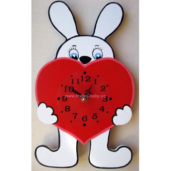 Часы Зайчик с сердцем